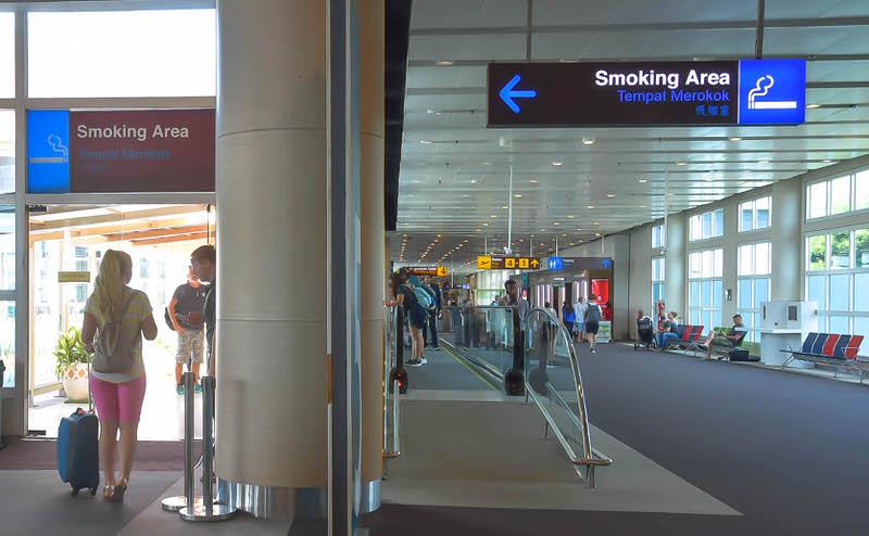 デンパサール空港の喫煙所はどこに?ターミナル内は全面禁煙?
