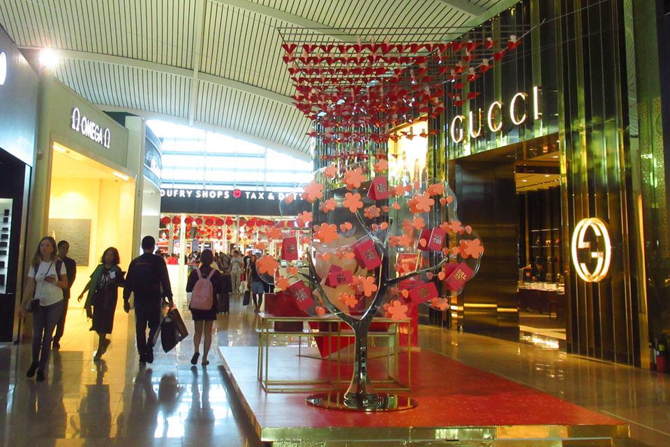 バリ島デンパサール空港免税店|取扱化粧品·ブランド一覧記載